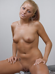 Ariel love to pose for the KHA camera sex pictures